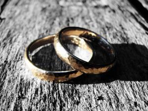 7 Veidi kā Izveidot Satriecošu Laulību!